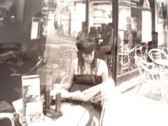 Café y periódicos